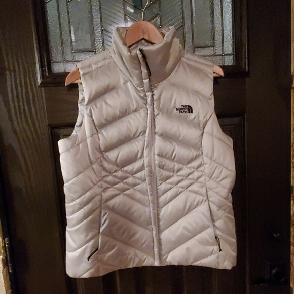 The North Face Women/'s Sheka RTO Down Vest Full Zip